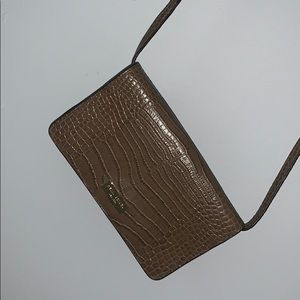 NWOT HENRI BENDEL crossbody wallet/phone bag!